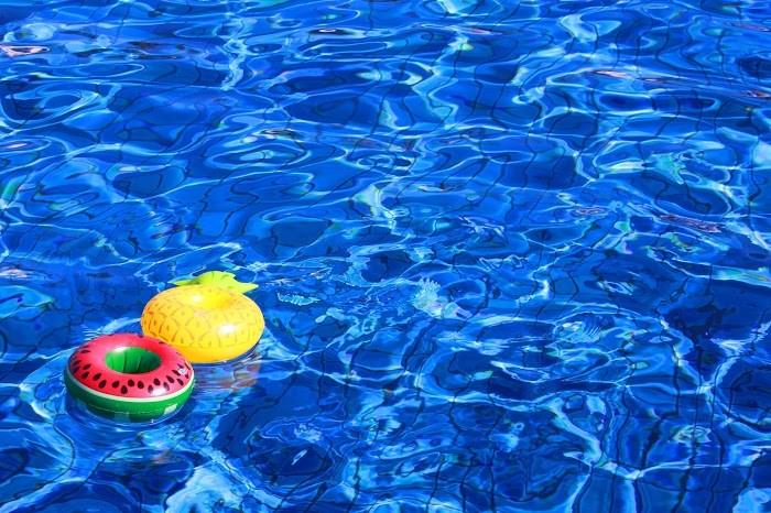 水 プール