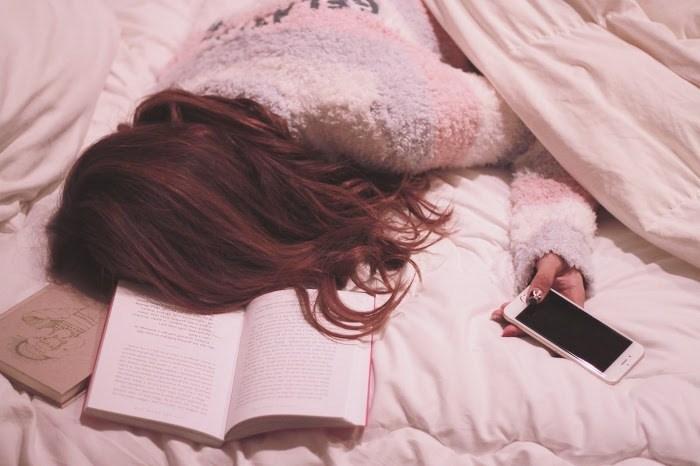 女の子 寝る