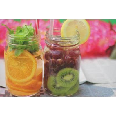 【いちごメイクにも♡】フルーツみたいな鮮やかカラーのコスメ12選