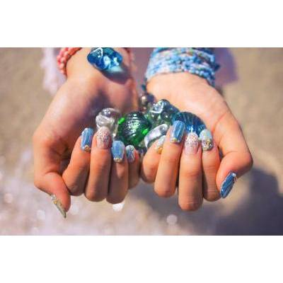 「透明肌」の演出にぴったり。ブルー&ラベンダー色コスメ12選