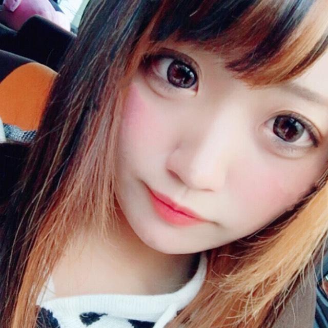 デカ目ぱっちりメイク