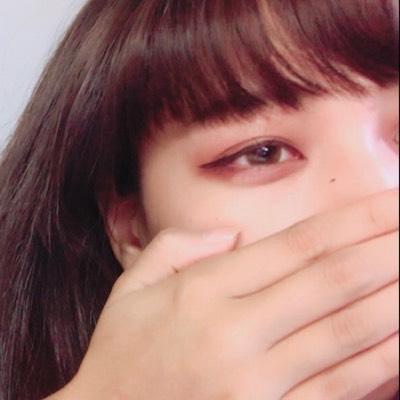 アンニュイな表情が魅力♡小松菜奈ちゃんのものまねメイク