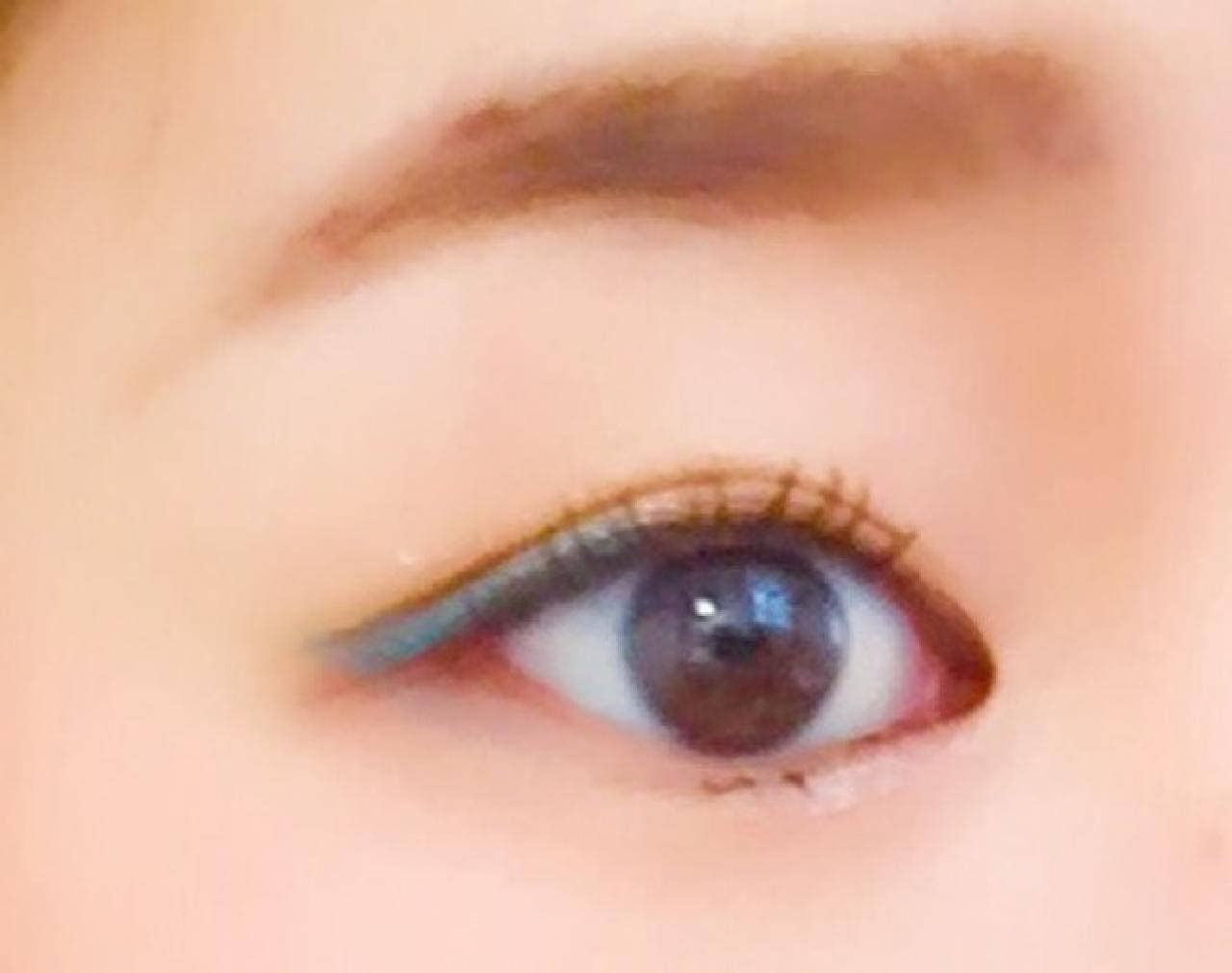 目尻側にカラーをON