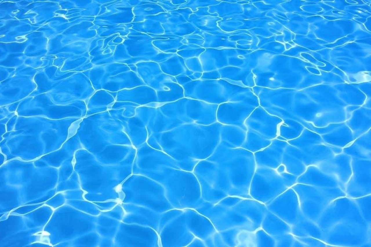 メイク禁止のプールもある