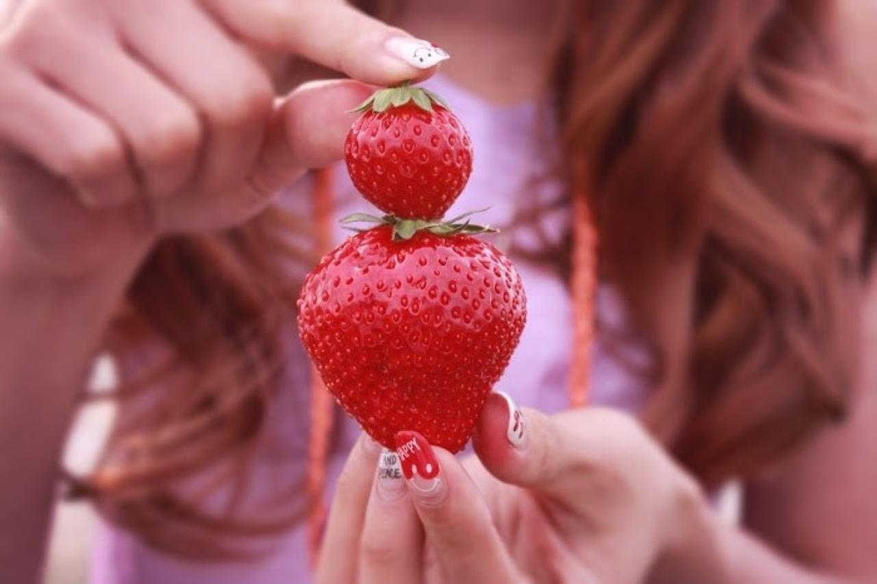 イチゴと女の子