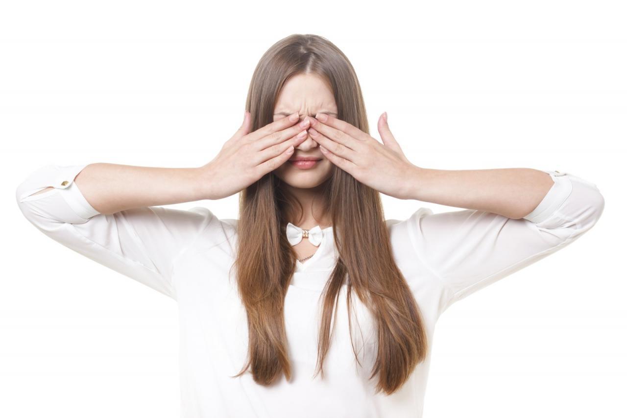 つけま つけまつげ つけまつ毛 付けまつ毛 取れない 取れる 痒い 痛い 取り扱い方法 コツ 使い回し 手入れ 自然 ナチュラル おすすめ のり グルー 接着剤 人気 取り方 保存