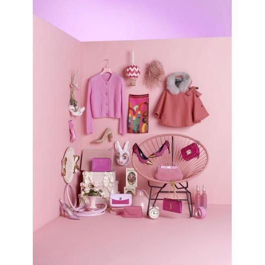魔法をかけるミラクルカラーはもちろん♡ピンク色