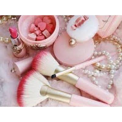 やっぱり王道可愛い♡ナチュラル甘顔が作れる人気のピンクコスメ10選♪