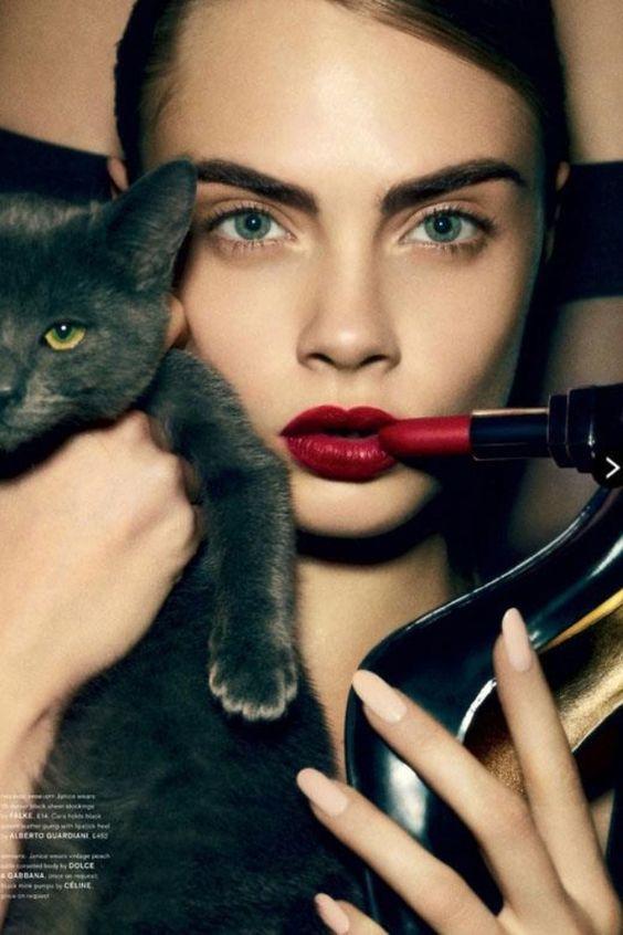 猫メイク 女性