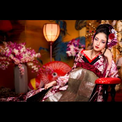 赤シャドウで華やかに決める!着物に似合う花魁風メイクのやり方