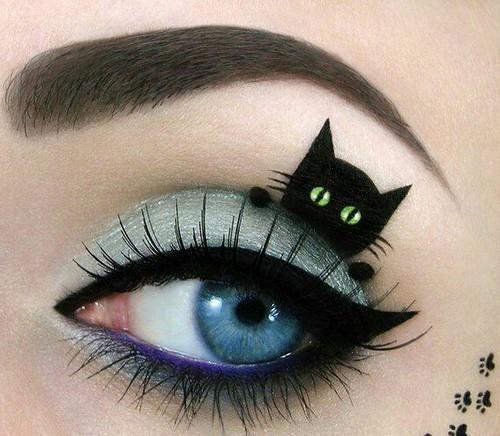 猫メイク つけまつげ