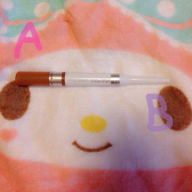 使用するのはこちら! 眉毛マスカラと眉毛ライナーが一体化しててとっても使いやすい!