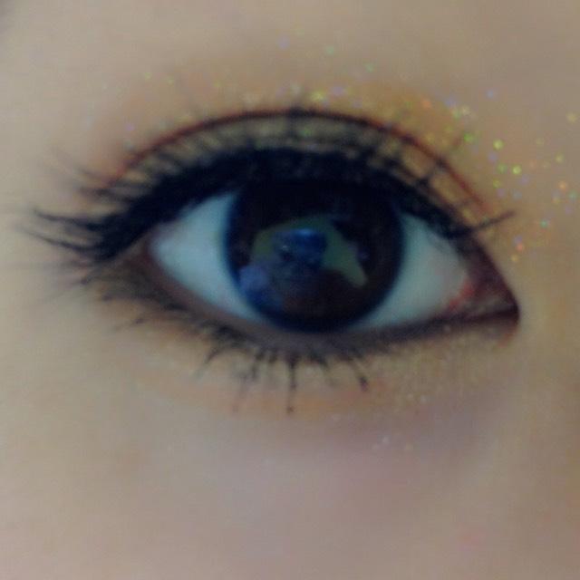 マスカラをしっかり塗って、黒目の下にマスカラを沢山つけると丸目にみえるよ⭐️