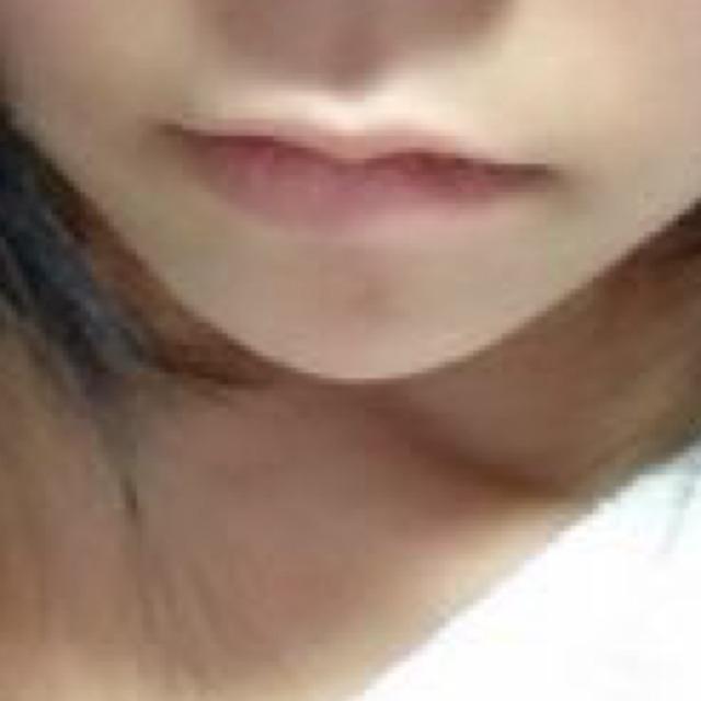 触りたくなる唇のBefore画像