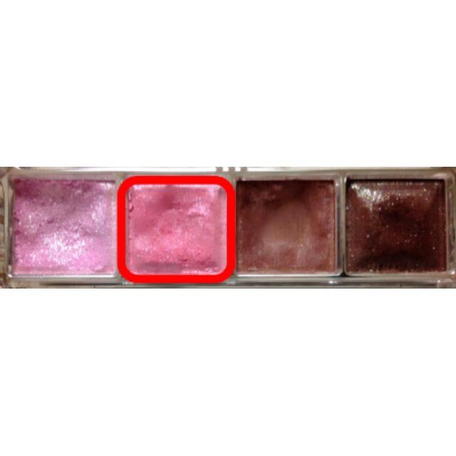 まずは左から2番目のピンクをチップにとり…