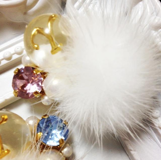 アクセは個性的なのが◎! Jewels in Sayaのビジューが輝くフワフワイヤークリップで大人っぽさ&可愛らしさをさらにアップ♡