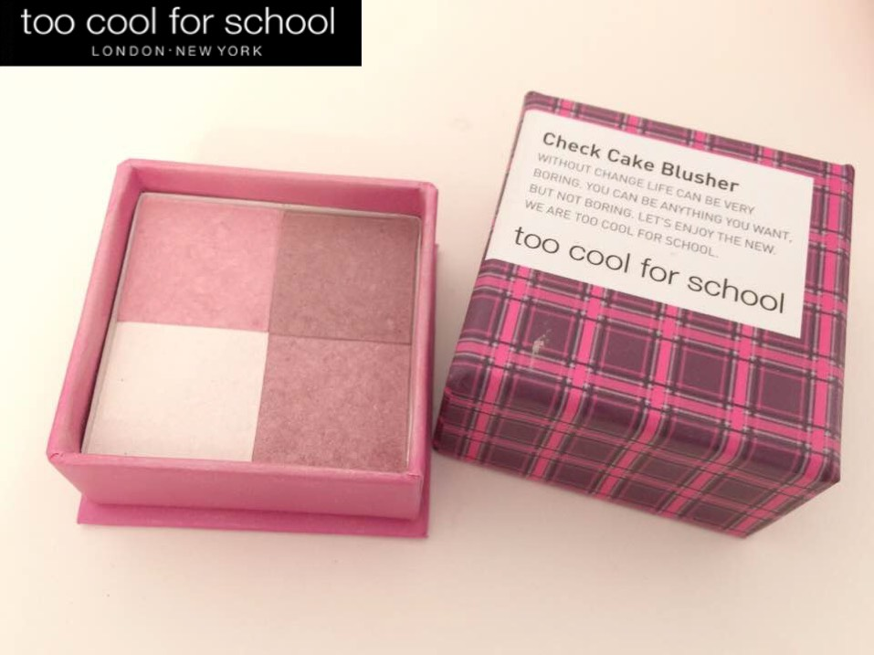 腮紅使用too cool for school的check cake blusher。