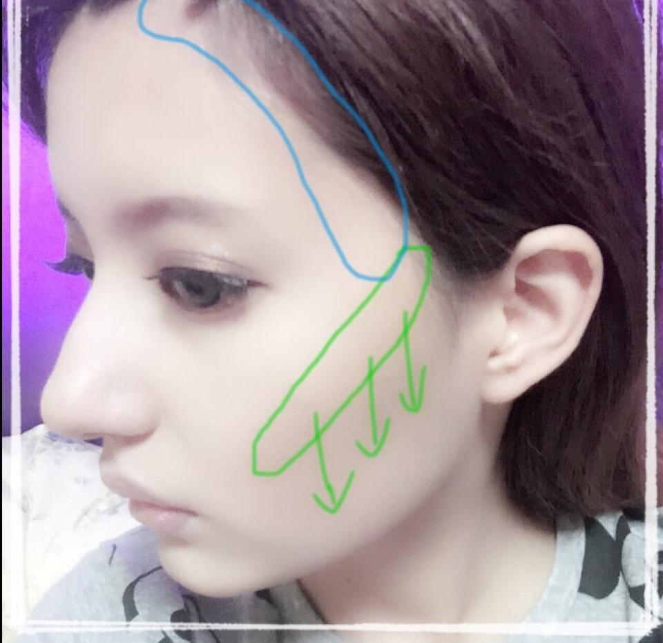 髪の生え際に沿ったラインにもシェーディングを入れます。
