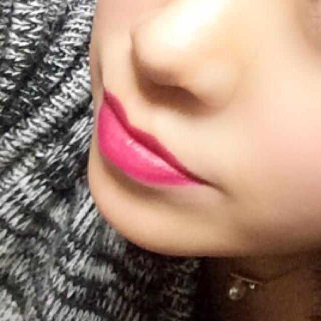 唇はコンシーラーで色味を消してから、口紅をラフに直塗りです♪ 使用色はCHANELのルージュココですが、リニューアルしたみたいなので今は買えないみたいです