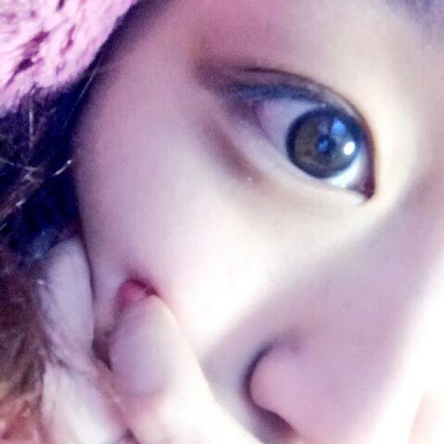 目の上グロスのうるつやeyeのBefore画像