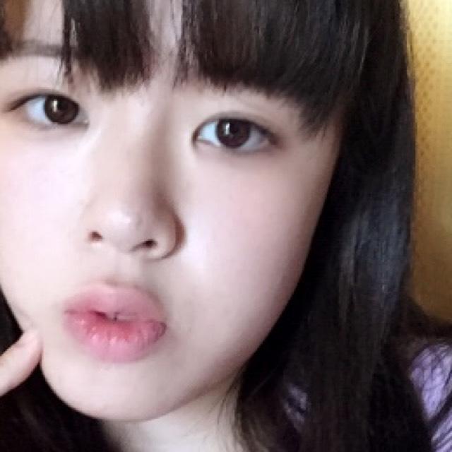 韓国の色白少女風メイク