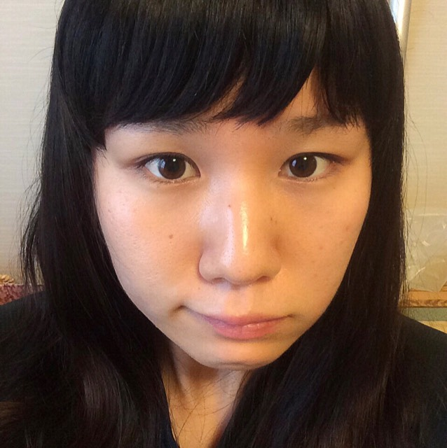 パープルを使った裸眼メイクのBefore画像