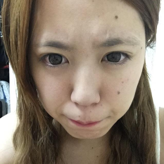 基本メイクと同じように洗顔→化粧水→乳液→くま消しコンシーラー→CCクリーム→パウダー