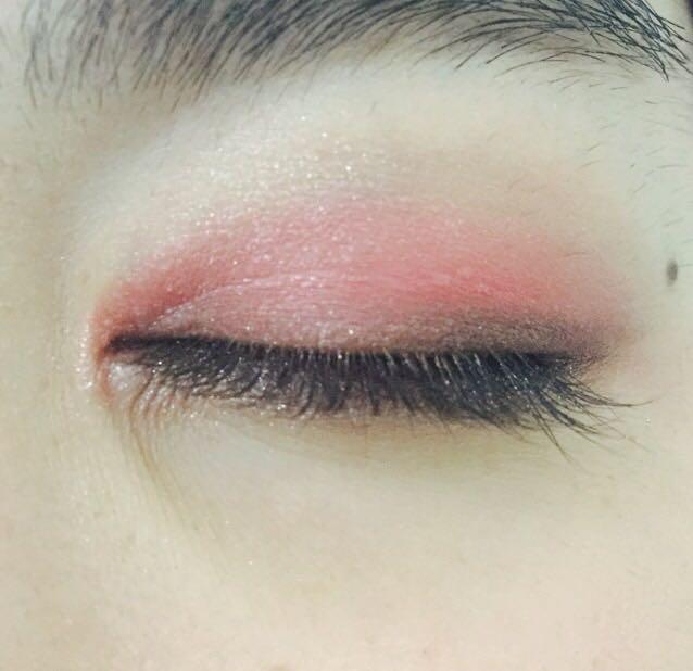 目尻から黒目の上までマジョリカマジョルカ/BR751(左下の色)