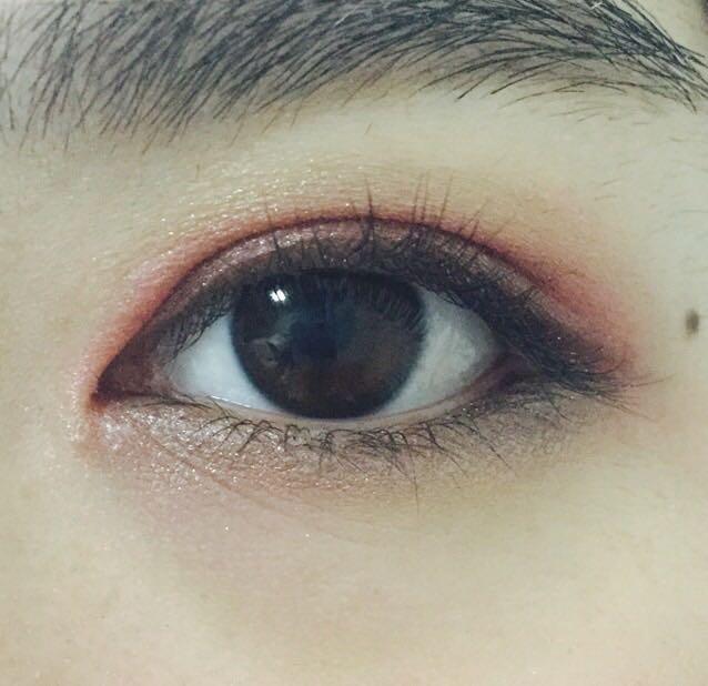 下瞼の目尻から黒目の下までマジョリカマジョルカ/BR751(左下の色)