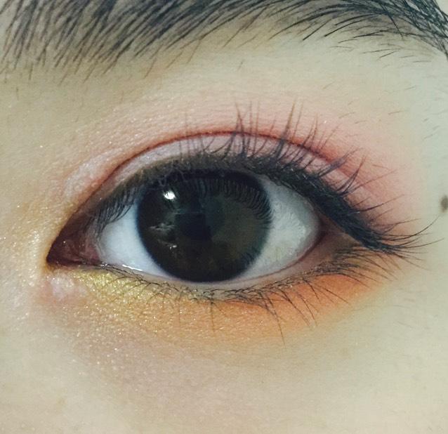 下瞼の目頭1センチほどゴールド