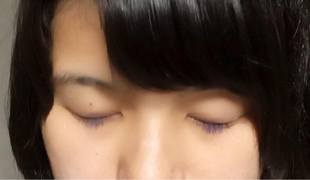 カラーメイク(紫マスカラ)