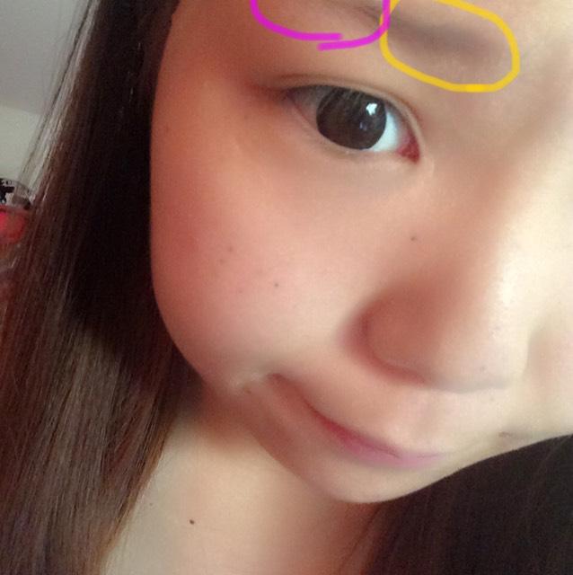 黄色の部分は 眉パウダーでピンクの部分をアイブロウペンシルで書きます。 その後に眉マスカラで 上下に!!