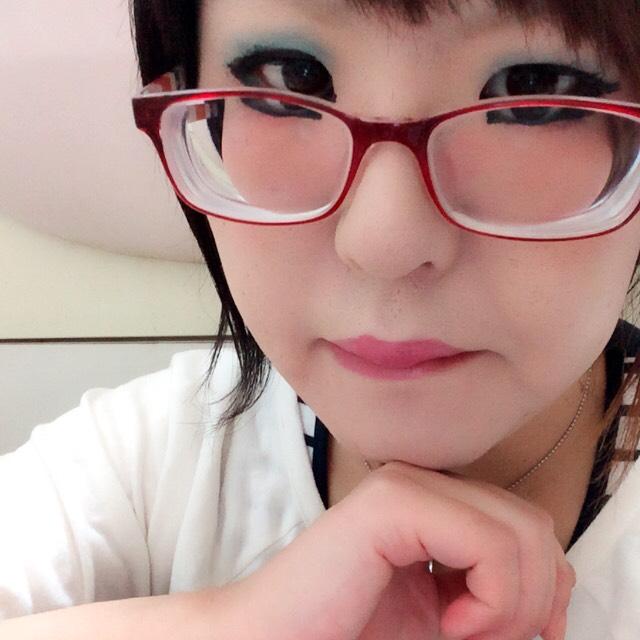 明るめ青シャドー(=´∀`)人(´∀`=)