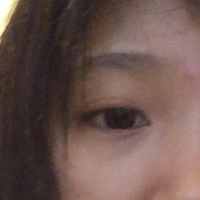 100均と韓国コスメのメイクのBefore画像