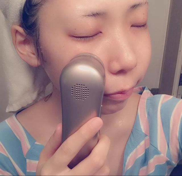 ○最後はゆっくり時間をかけてエステナードソニックの美顔器してます。4年愛用してるんだけど本当に肌も変わったし顔がちっちゃくなって手放せません!きになる小鼻の毛穴も今では綺麗になりました。