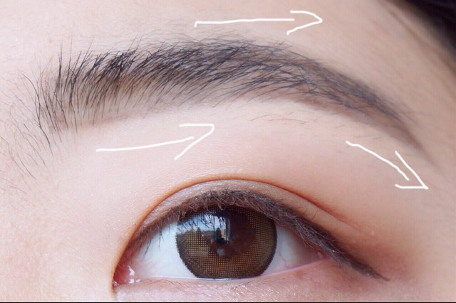 Then take your eyebrow pencil and draw in any open spaces with short, irregular-length strokes to simulate real hair. Just follow your natural shape.