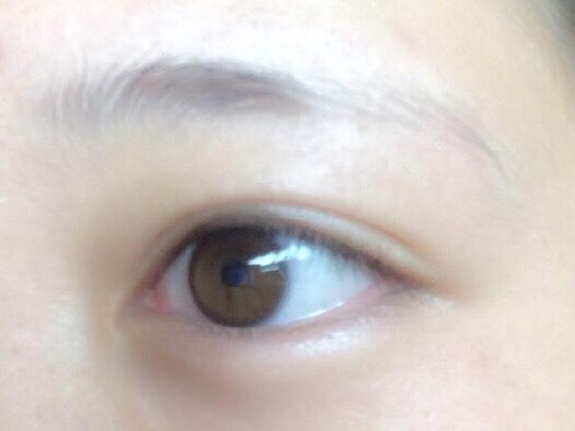 自然な眉毛の描き方のBefore画像