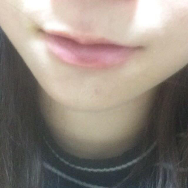 するとこうなります。 赤めの唇にしたいけど、派手すぎる〜と思う方にオススメです。  あとは完成です。