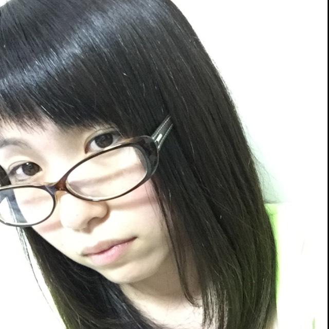 女の子メイクのBefore画像