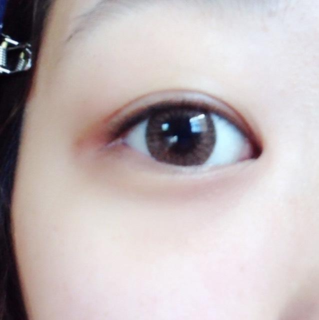目を開けたらこんな感じ!奥二重の線はアイプチでくっついているので感覚は一重と同じ!