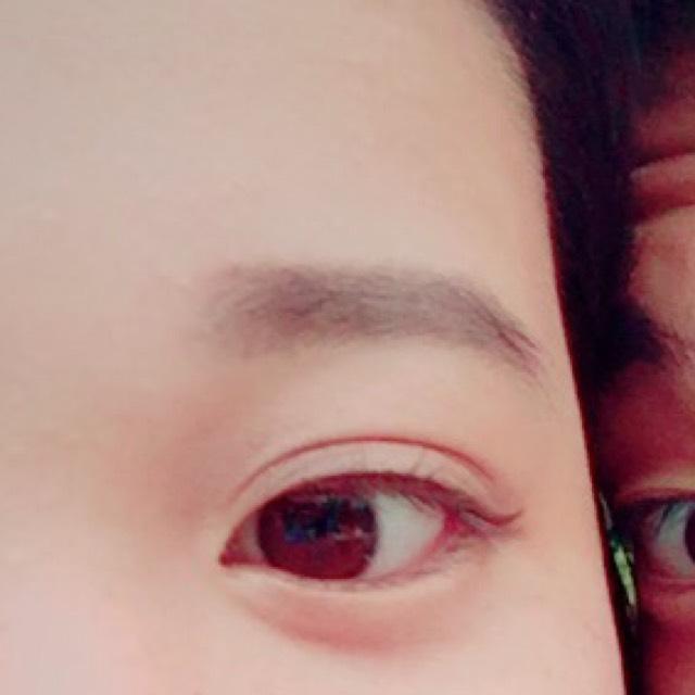 平行眉のBefore画像
