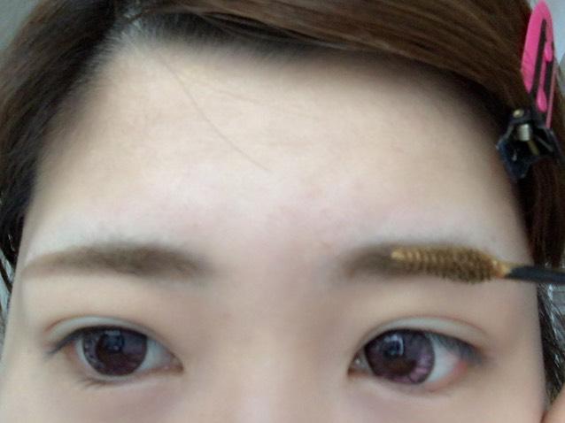 最後に眉マスカラで眉毛に色をつけて完成(・∀・)