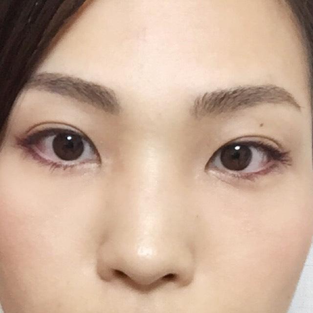 おまけ。 眉は、赤味のあるブラウンを主役にして、毛の足りない部分だけは自毛に近いこげ茶で描き足して、ナチュラル仕上げ。あえて眉マスカラは使いませんでした。