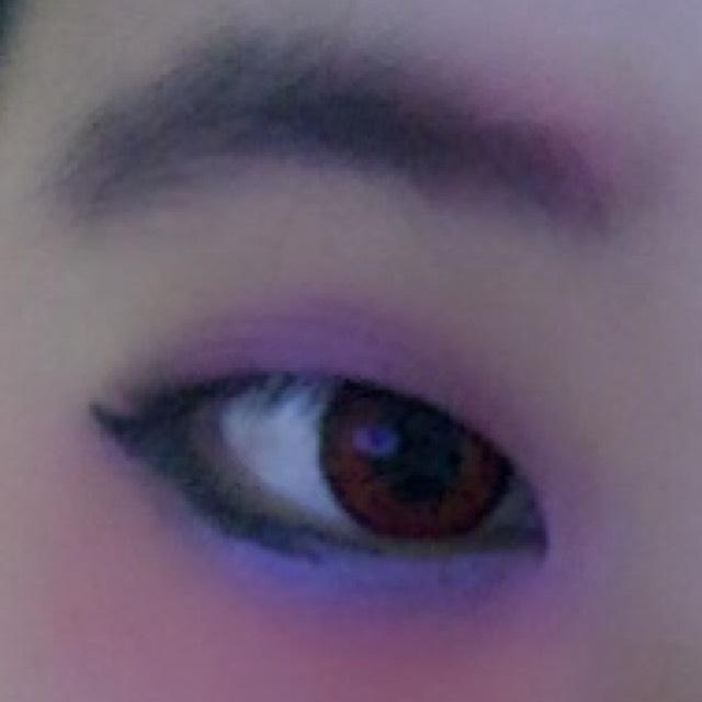 眉毛の色も紫にして下さい。少し赤を入れてもいいと思います(*≧艸≦)