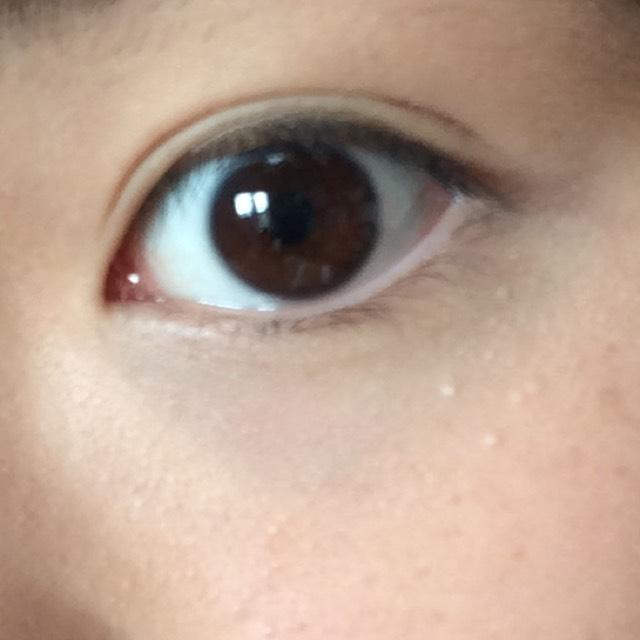 白すぎじゃない?とか思うかもしれませんが目の下が明るいことで印象が本当に変わります!!これは本当にオススメです!!(^O^)