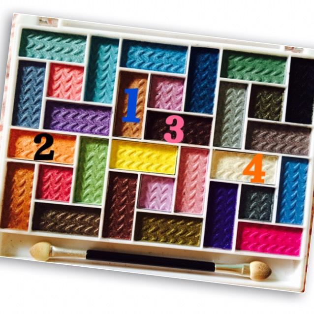 次はこの1番の色を使います!!!ちなみにこのカラーパレットは1000円位でした♪♪