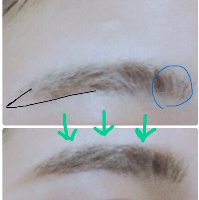 アイブロウペンシルで眉尻を描く。(眉頭は描かない)  眉マスカラをぬり、  青丸のところにアイブロウパウダーの1番薄い色を眉頭にぬる。