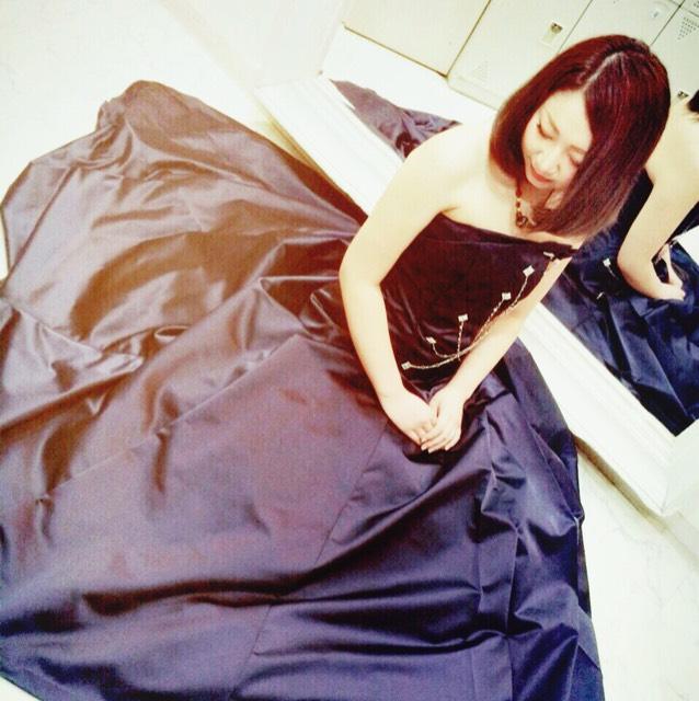 黒髪赤リップ