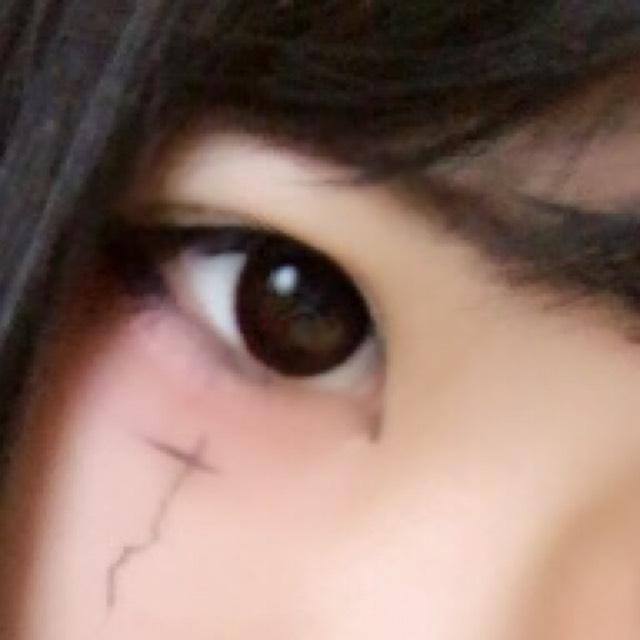 眉毛は並行に薄く書きましょう