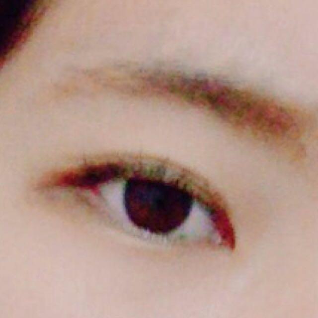 眉毛はこんな感じです。(カラコン外してます泣)